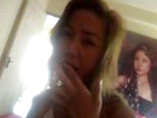 女の子は大きなディックを押している アダルト ビデオ 女性 用