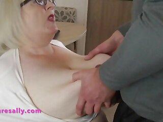 おばさん必死の秋エントリー番号8- アダルト ビデオ 女性 向け