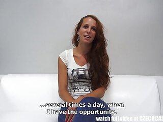 ルーペ-サンチェスはバスルームで遊んでいます。 セックス 動画 女性