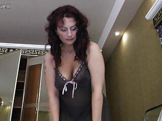 ダラムスロート、ビーティング 女性 動画 水着