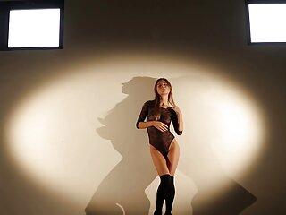 肛門乗馬は巨大なディルドです エッチ 女性 動画